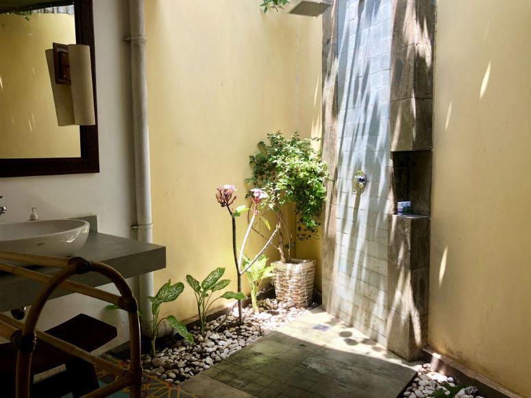 Außendusche in Gili Trawangan Hotel