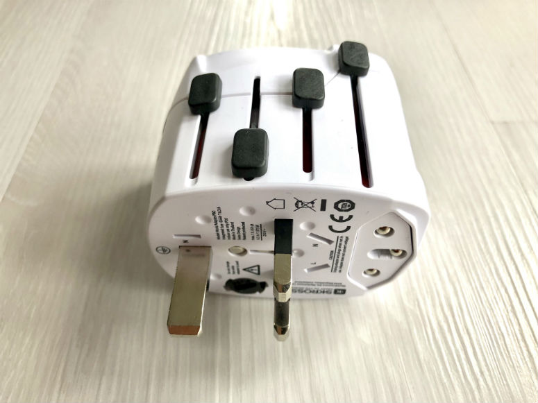Adapter für verschiedene Steckdose