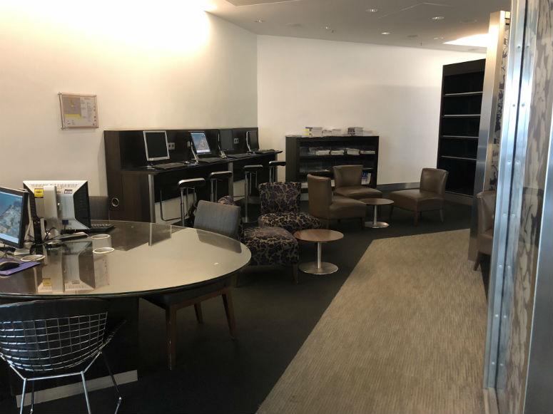 Überblick Qatar Airways Business Class Lounge in München