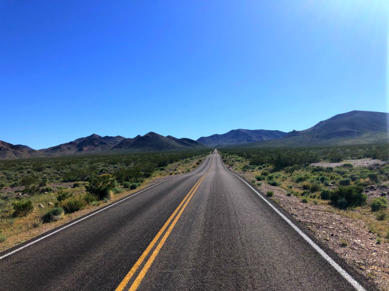 USA Reisetipps, leere Straße in Amerika