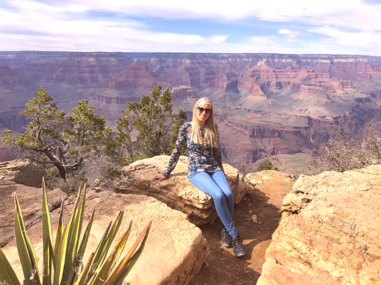 USA Reisetipps - Frau am Grand Canyon