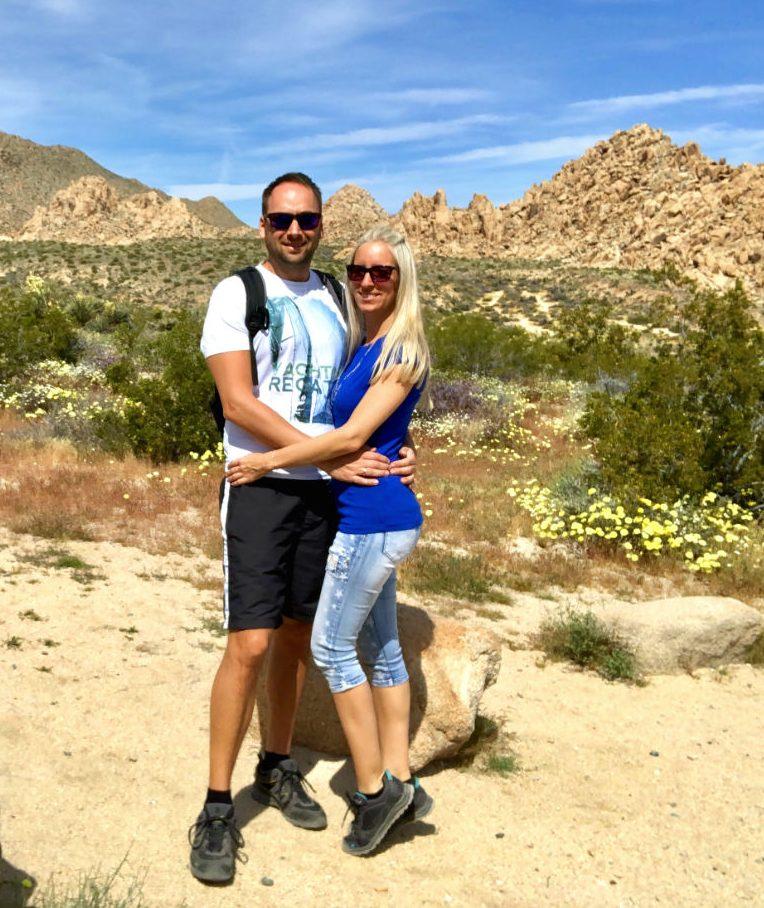 Karina Kawaletz, über mich und meinen Reiseblog- Pärchen steht im Zion Nationalpark USA
