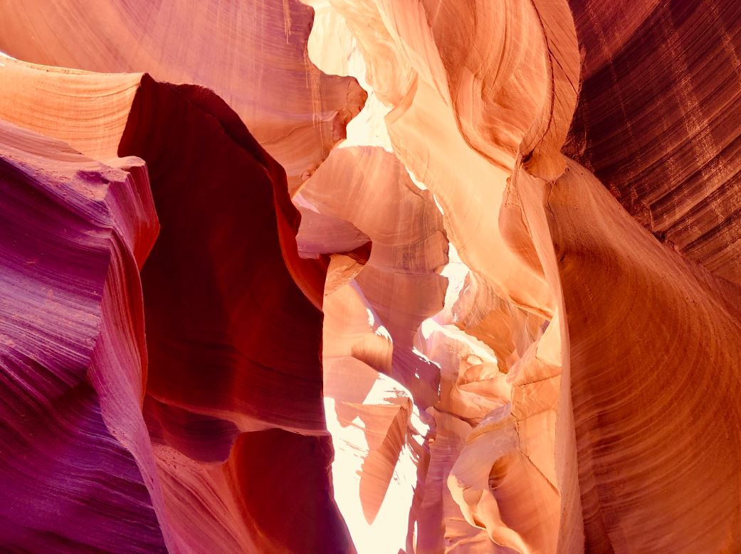 Antelope Canyon, verschiedene rote Felswände