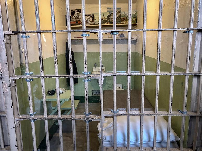 Gefängniszelle auf der Gefängnisinsel Alcatraz in San Francisco
