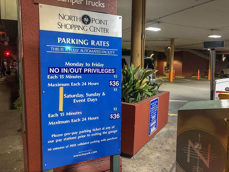 Parkplatz in San Francisco neben Hotel Zoe, Schild mit Preisen