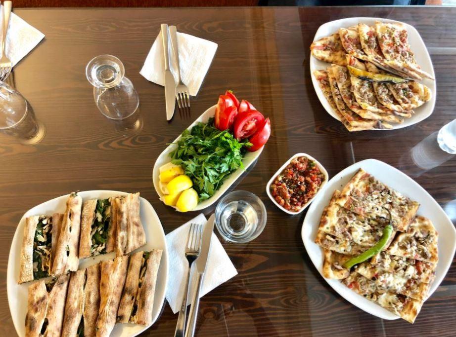 Kappadokien Restaurants, türkische Speisen auf Tisch