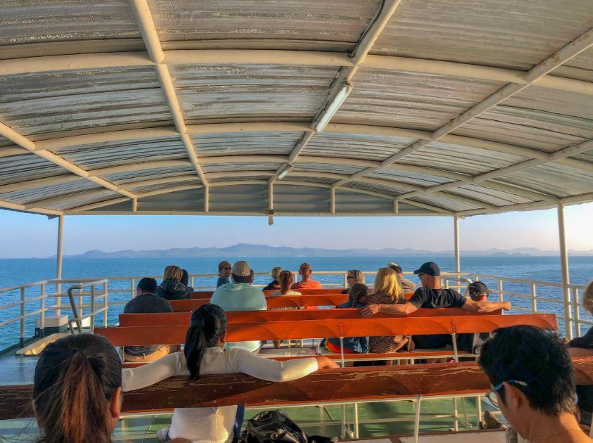 Koh Chang Anreise, Ansicht der Sitzfläche einer Fähre