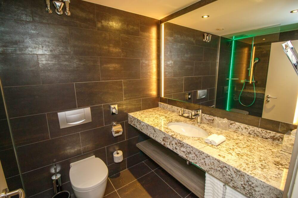 Blick auf Badezimmer im Hotel