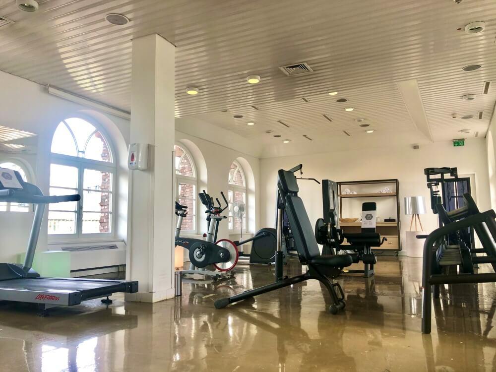 Der Fitnessraum im Renaissance Hotel Hamburg