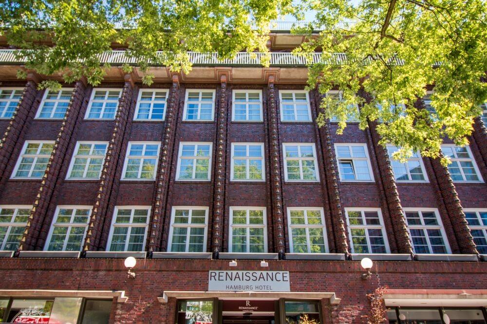 Außenfassade des Renaissance Hotels Hamburg